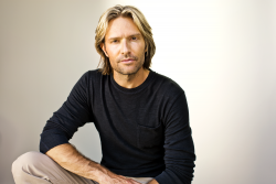 Eric Whitacre (credit Marc Royce) 6